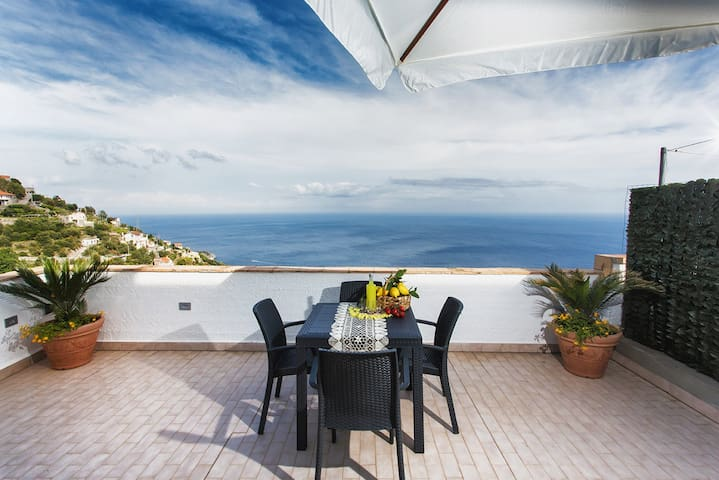 Margherita House, Sea View, Terrace - Amalfi Coast - Furore - อพาร์ทเมนท์