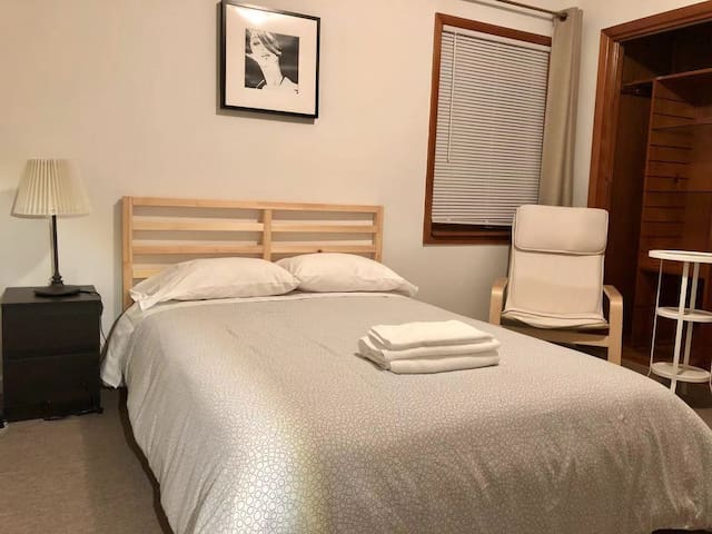 Private room in Fresh Meadows