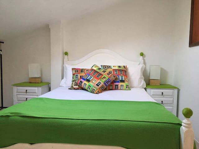 Crismina Room - Manelisa Cascais