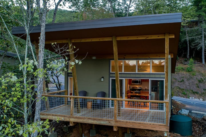 PILOT COVE Studio Cabin - Modern Luxury w/ Nature!