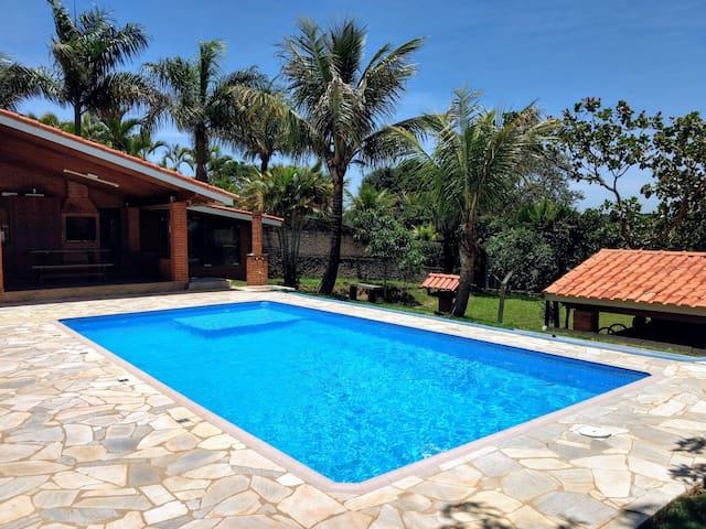 Casa de Campo - Piscina, Lareira, Churrasqueira.