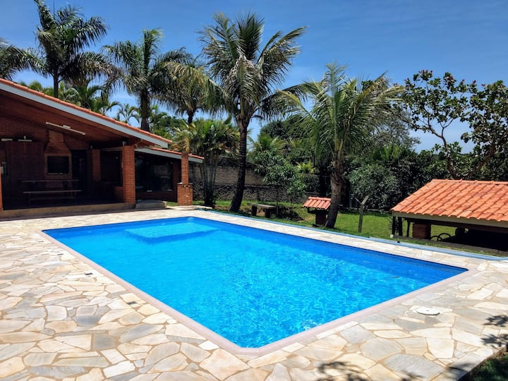Country House with Swimming Pool and Barbecue area