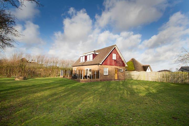 EKSTER: halfvrijstaand vakantiehuis nabij de Koog - De Koog - Casa