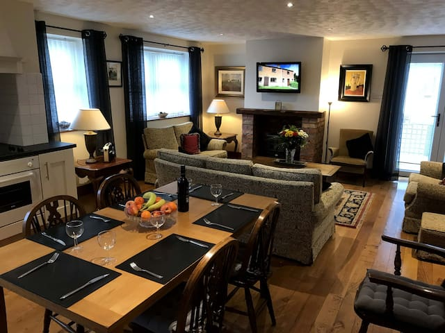 The Brandy Pad, Cranfield, Trekking, Golf, & Beach