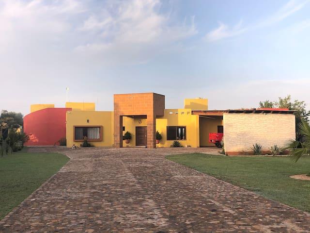 Casa campo nueva, cómoda, familiar y de aventura