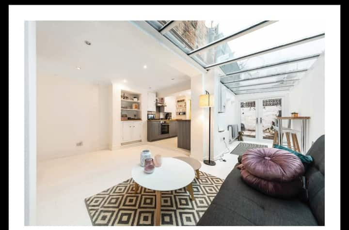 Cosy and Homely Apartment in Putney sleeps 2 to 4