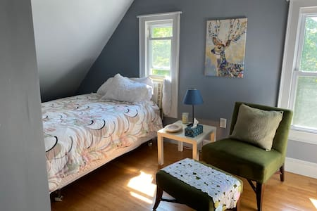 Cozy Attic Room W Private Bathroom on 3rd Floor