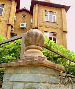 шикарный дом 400квм  с бассейном - Gelendzhik - House