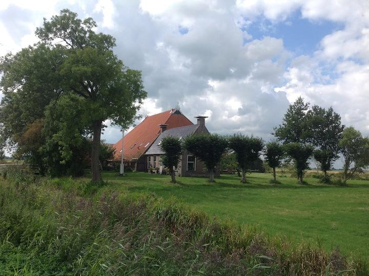 Nieuw appartement in romantische boerderij