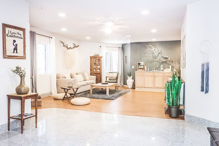 Step into your very own alpine sanctuary. Soothing colors, eco-friendly materials, and unique upcycled decor adorn the space - creating a mellow and inspiring environment where you can relax and rejuvenate.