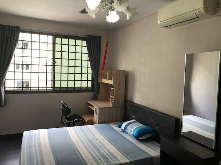 Nice,clean,spacious,private room for rent near NTU
