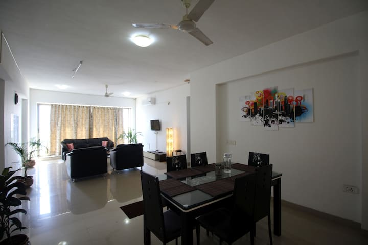 Private Room in The Skyline, Nerul - Navi Mumbai - Appartement