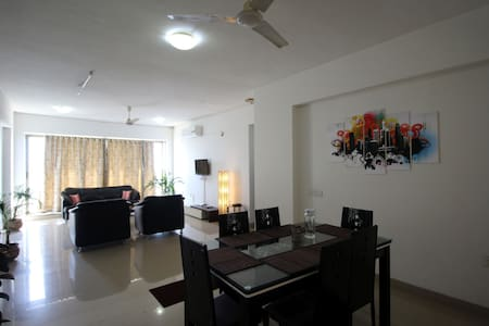 Private Room in The Skyline, Nerul - Navi Mumbai
