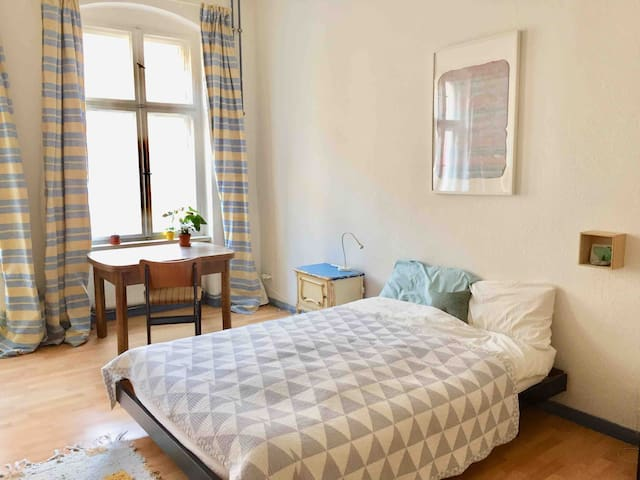 Artist flat in Wedding available for one month