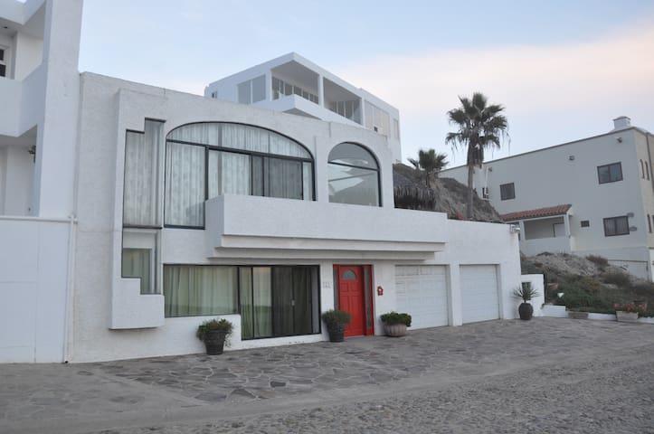 Oceanfront Home-Pool-Surf-Tennis - Puerto Nuevo - Ev