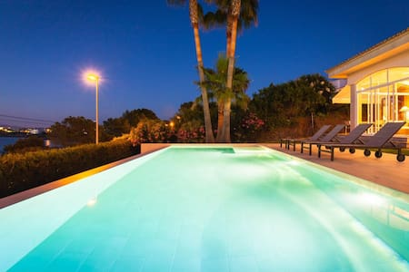 """ VlLLA LES DAMES "" Private Pool - Llucmajor"