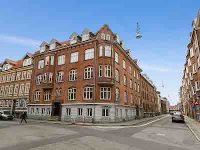 Large, cozy apartment in the center of Aalborg