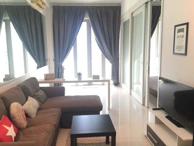 3mins walk to KLCC Twin Tower | 5pax Cozy Suite