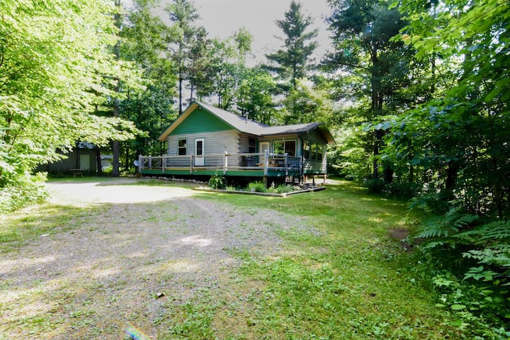 """""""THE CABIN"""" NORTH WOODS HEAVEN WITH LAKE ACCESS"""