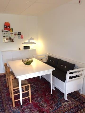Rækkehus i Humlebæk - Humlebæk - Flat