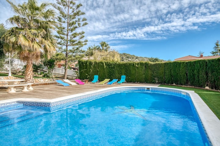 Exotic Villa in Roda de Barà with Private Pool