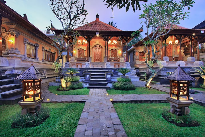 Royal Villa Experience in Ubud Bali, for 2 Pax