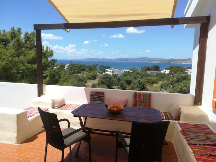 2 bedroom apartment in Pefki with sea views
