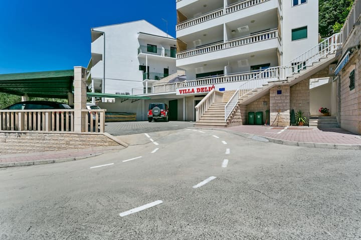 Simplistic Apartment in Drvenik near Beach Lučica