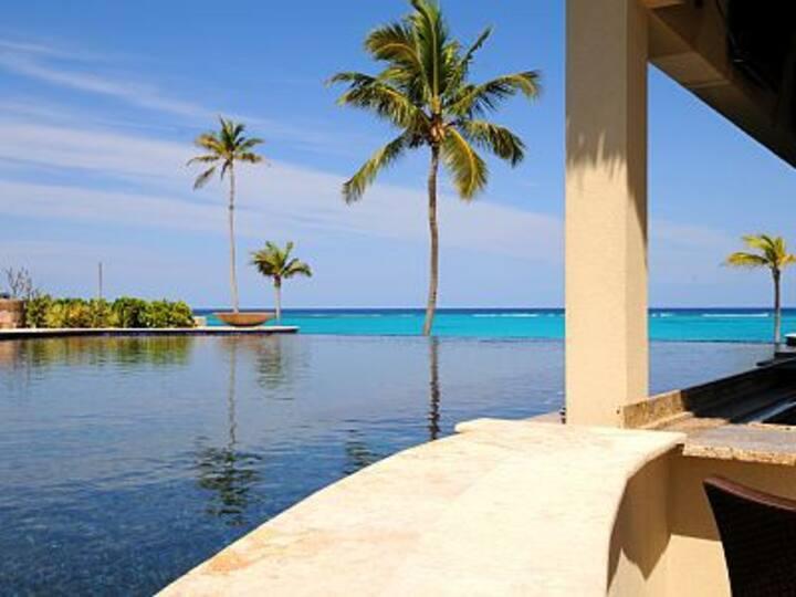 Stunning Contemporary Beach Villa resort pool