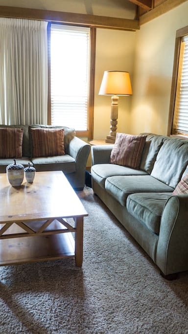 Couch,Furniture,Coffee Table,Table,Chair