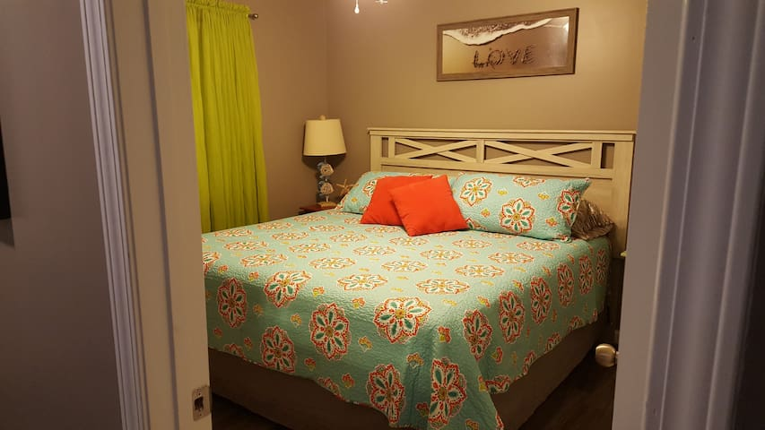 New King bed in May 2017. All new bedding, pillows, linens.