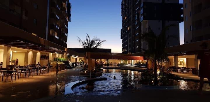 Ap. em um Resort, frente ao Thermas dos Laranjais