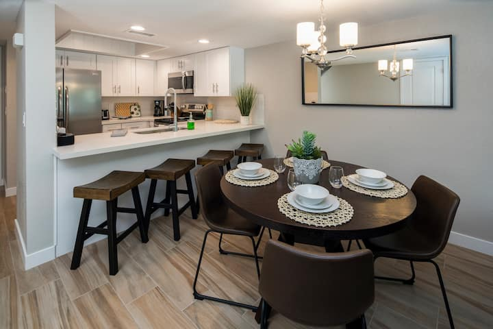 Walk to MIll Ave, Tempe Town Lake, Fully Renovated