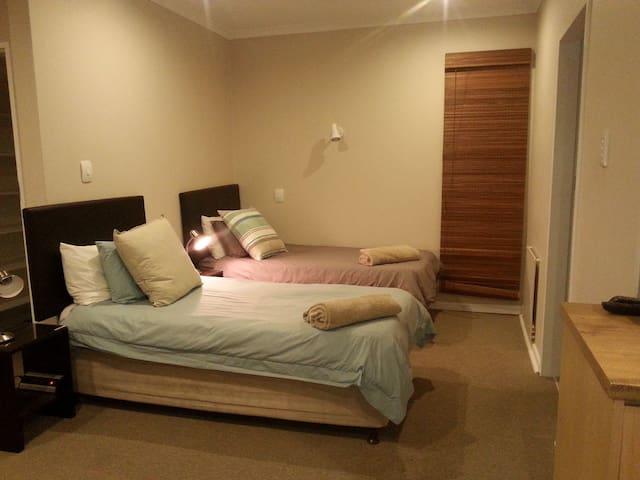 Alternative - 3-bed arrangement
