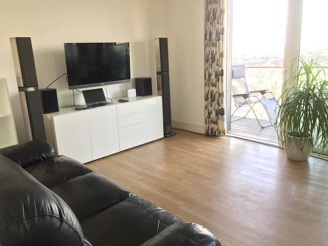 Large Apartment on 14th Floor with Great View