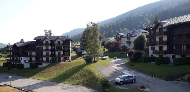 Marmotte se situe à Lelex dans le Jura .