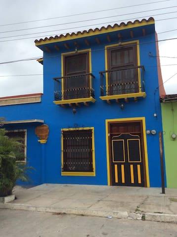Alojamiento lleno de arte en Tlacotalpan Veracruz - Tlacotalpan - Pension