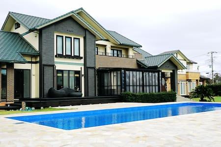 広々プール付き別荘一棟貸し切り ゴルフ練習可 【Orphee Villa Ichinomiya】
