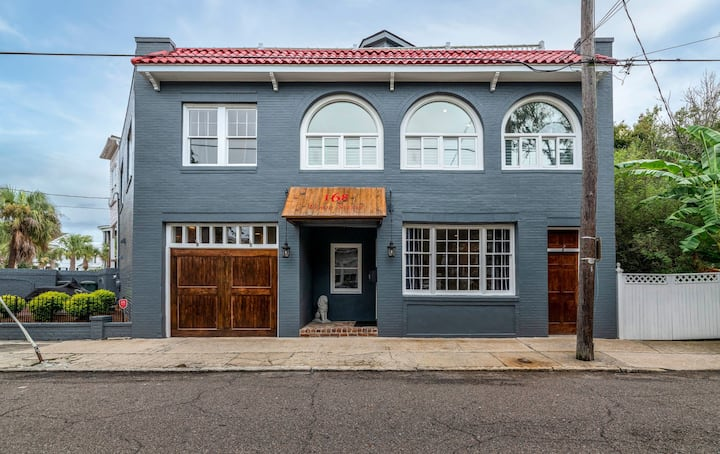 2 Bed/2 Bath Home in Historic District Downtown!