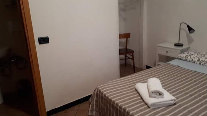 Camera primo piano il Castello 011030-AFF-0035