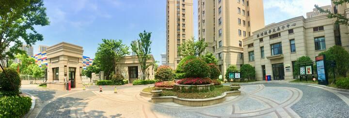 玖玥 舟山东港商业繁华地段 与朱家尖一桥之隔 坐享普陀地标杉杉天地 365商业广场
