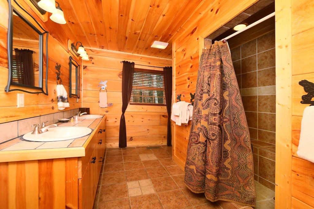 Southern Hospitality-Bathroom