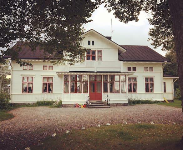 Sekelskiftesvilla från 1895 med känsla