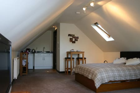 Stylish roof space room in the New Forest - Ringwood