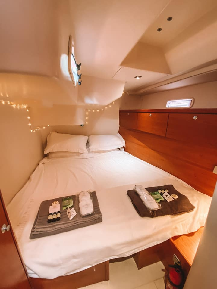 Double En-suite on a 54ft Sailing Yacht