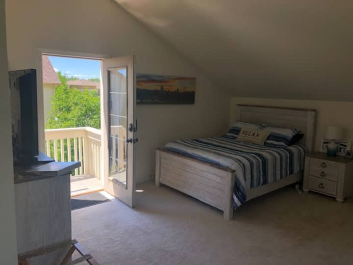 Secluded Studio in Beautiful Broomfield