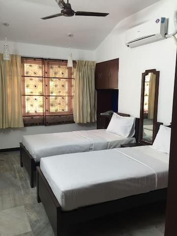 Spacious room in centre of chennai