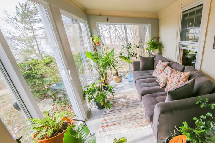 Cozy Lighthouse View & Bike Path only 10min to Pvd