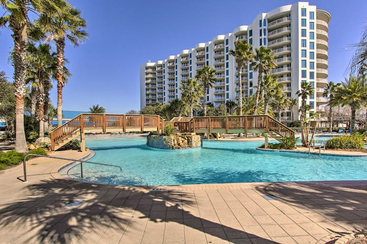 NEW! Resort Condo w/ Pool Deck & Beach Shuttle!