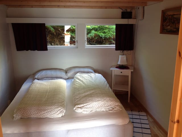 Bedroom with double bed (can be separated to 2 single beds
